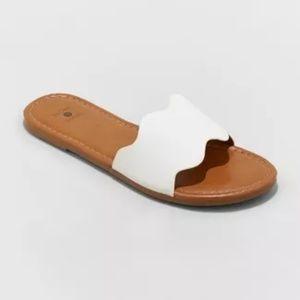 Women's Kate Scalloped Slide Sandals